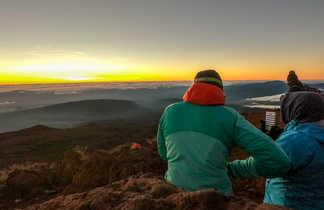 Pause au sommet du Piton de Neiges, île de la Réunion