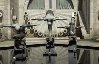 Statues d'art moderne à Erevan