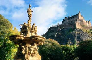 Statut d'or chateau Edimbourg