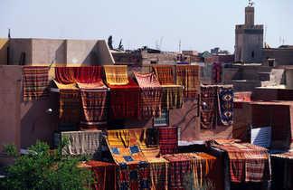 Tapis sèchent à Marrakech