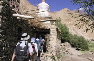 Trekkeurs dans la vallée de la Markha