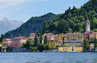 Varenna en Italie lac de Côme