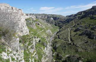 Village de Matera et le ravin de la Gravina