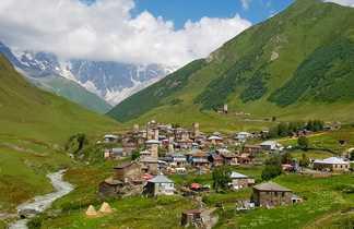 Village d'Oushguli dans la région de Svanetie en Georgie