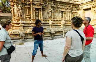 Visite d'un temple hindou avec notre guide Dinesh