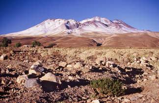 Volcan Lascar dans le désert d'Atacama