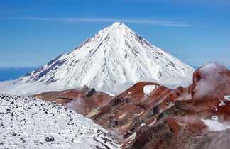 Volcans du Kamtchatka en Russie l'été