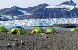 Voyages avec tentes au Spitzberg