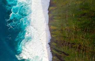 Vue aérienne île tropicale