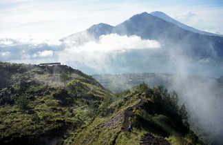 Vue de sommet de volcan Batur