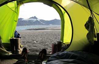 Vue depuis la tente au Spitzberg