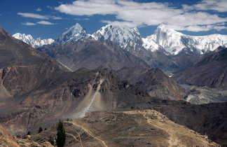Vue panoramique sur le Golden peak depuis Duikar, vallée de Hunza
