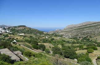 vue sur collines de Naxos au printemps