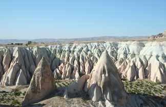 Vue sur les cheminées de fées en Cappadoce en Turquie