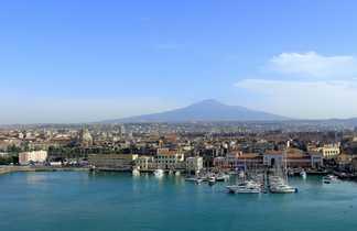 Vue sur l'Etna depuis Catane