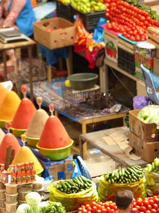 Au marché coloré de Pendjikent