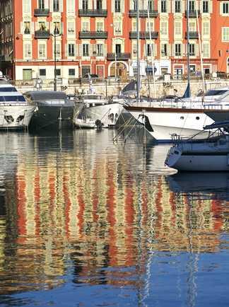 Balade sur le vieux Port de Nice