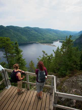 Belvédère sur  la rivière, Fjord-du-Saguenay au Québec
