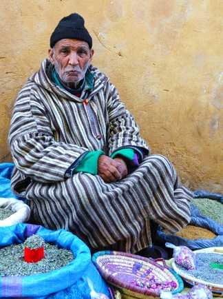 Berbère au souk, Maroc