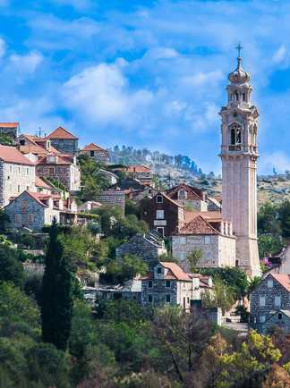 Croatie, village sur l'île de Brac