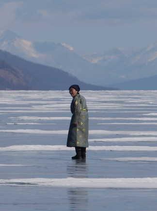 Femme du peuple chamane des  Darkhad sur le lac Khovsgol