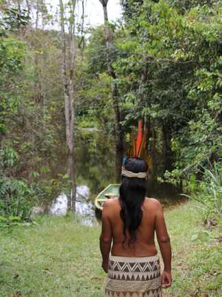 Femme d'une communauté en Amazonie péruvienne