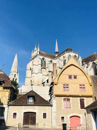 La vieille ville d'Auxerre avec l'Abbey Saint Germain
