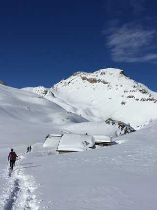 Les chalets de Clapeyto sous la neige, Queyras