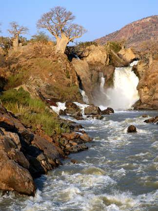 Les chutes d'Epupa sur le fleuve Kunene en Namibie
