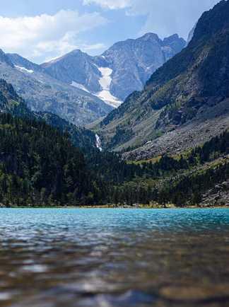 Magnifique lac de Gaube lors d'un trek de refuge en refuge