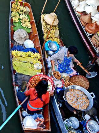 Marché flottant de Bangkok en Thaïlande