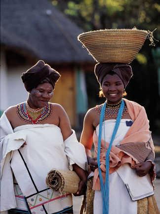 Mariée xhosa dans le village de Lesedi