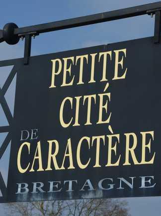 """Panneau """"petite cité de caractère de Bretagne"""""""
