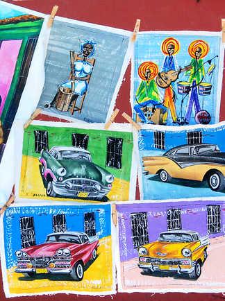 Peinture artisanale sur un marché de Trinidad à Cuba