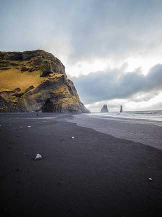Plage de sable noir Vik en Islande