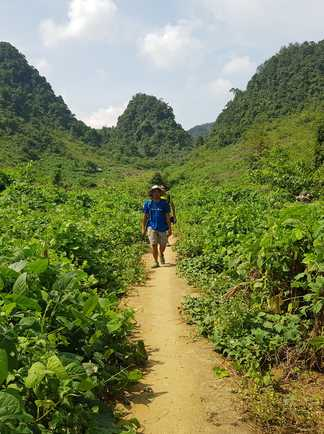 Randonnée dans la région de Thong Nong