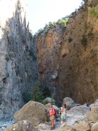 randonneurs dans gorges de Samaria