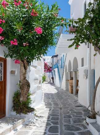 Rue de Parikia sur l'île de Paros