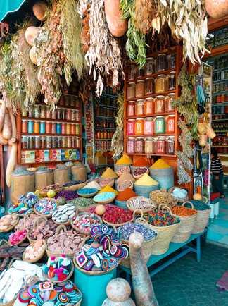 Stand d'épices au Maroc