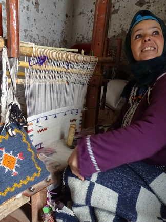 Tissage femme berbère, Siroua, Maroc