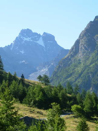 Vue sur le Mont Viso dans le piémont italien