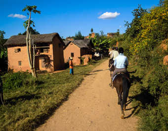 Madagascar à Cheval, village