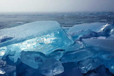 Glace du lac Baikal