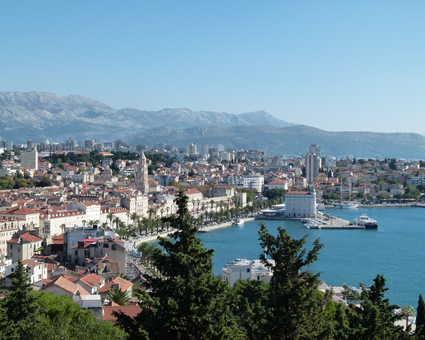 Croatie, vue sur Split depuis la colline de Marjan