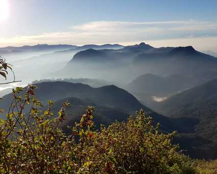 Lever du soleil à partir d'Adam's Peak