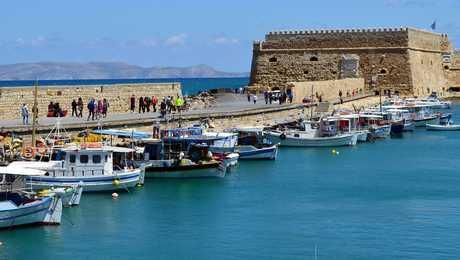 Crete,  les remparts d'Heraklion