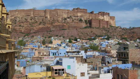 Fort Mehrangarh surplombant la ville bleue de Jodhpur, Rajasthan