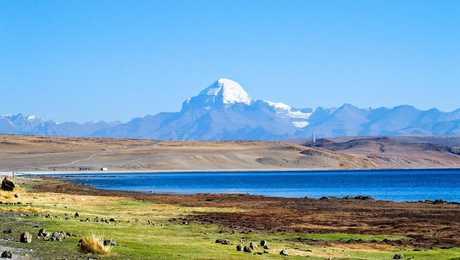 Le Mont Kailash depuis le lac Manasarovar