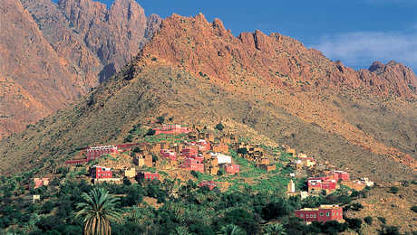 Village rose de l'Anti-Atlas, Maroc