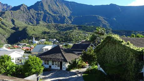 Vue sur la ville de Cilaos, la Réunion